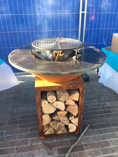 Traiteur avec animation culinaire grillade au feu de bois, Marseille